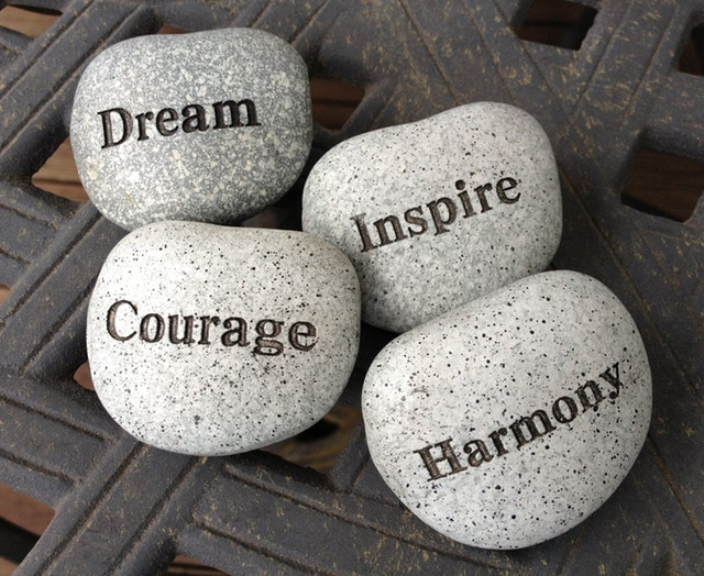 Inspirational-stones-dream-courage-inspire-harmony